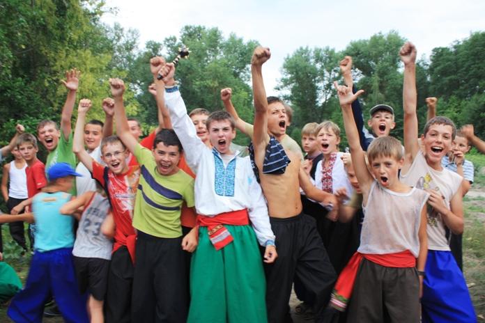 http://www.hopak.kiev.ua/downloads/Fotogalereya/2010/xloptsi/b/IMG_9068.JPG